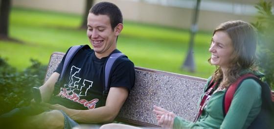 LU students compare college class schedules