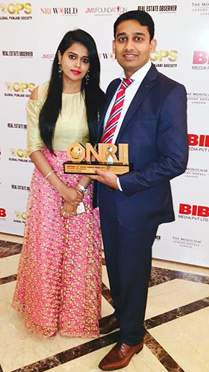 Manchaiah with award
