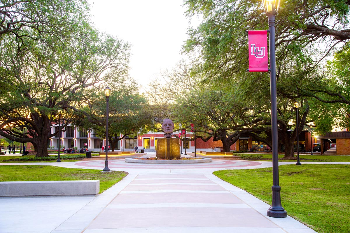 Lamar University names students to Deans' List