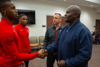 Jackie Harris Meets Current Track Athletes