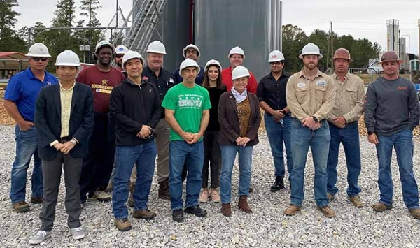 Midstream Center field trip exposes faculty to up-and-midstream processes