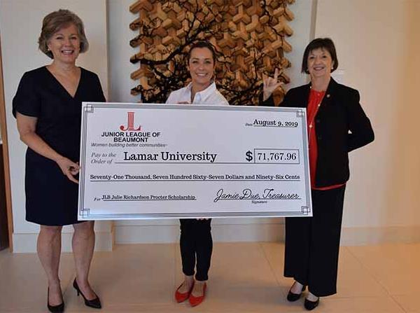 Junior League of Beaumont establishes the Julie Richardson Procter Scholarship at Lamar University