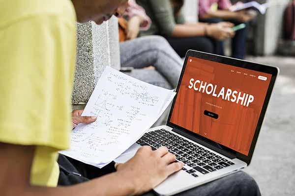 Two incoming freshmen named LU top scholars
